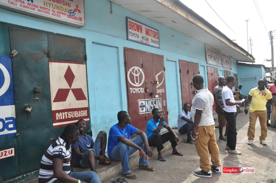 Again, Ghana Union of Traders lock up shops owned by Nigerians