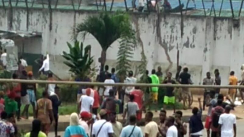 JailBreak: Angry mob frees inmates from Benin Prison